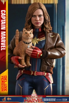 HOT TOYS - Captain Marvel Movie Masterpiece Action Figure 1/6 Captain Marvel Deluxe Ver. 29 cm